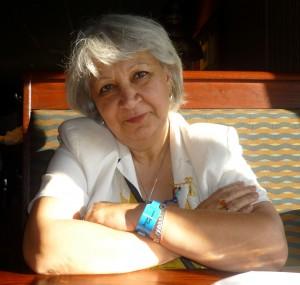 Lili Nabavi Photo